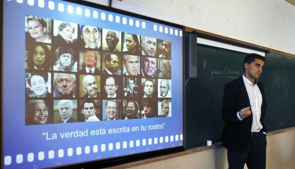 Memorial de la matanza de Srebrenica.Villamarín enseñó a reconocer las emociones en los rostros de los personajes públicos.