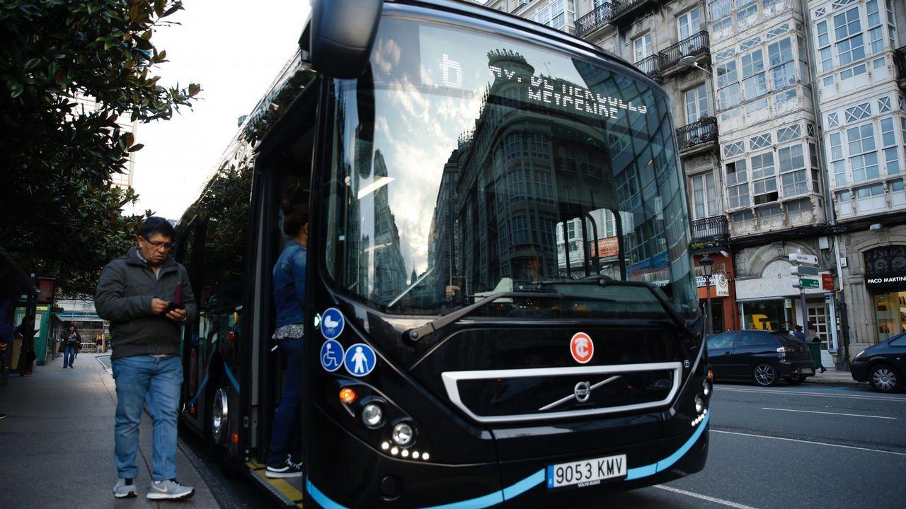 El bus híbrido circulará estos días por la ciudad.