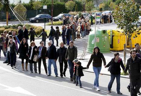 Protesta de Dereitos Sociais de Coia para agiliar las ayudas municipales de emergencia.