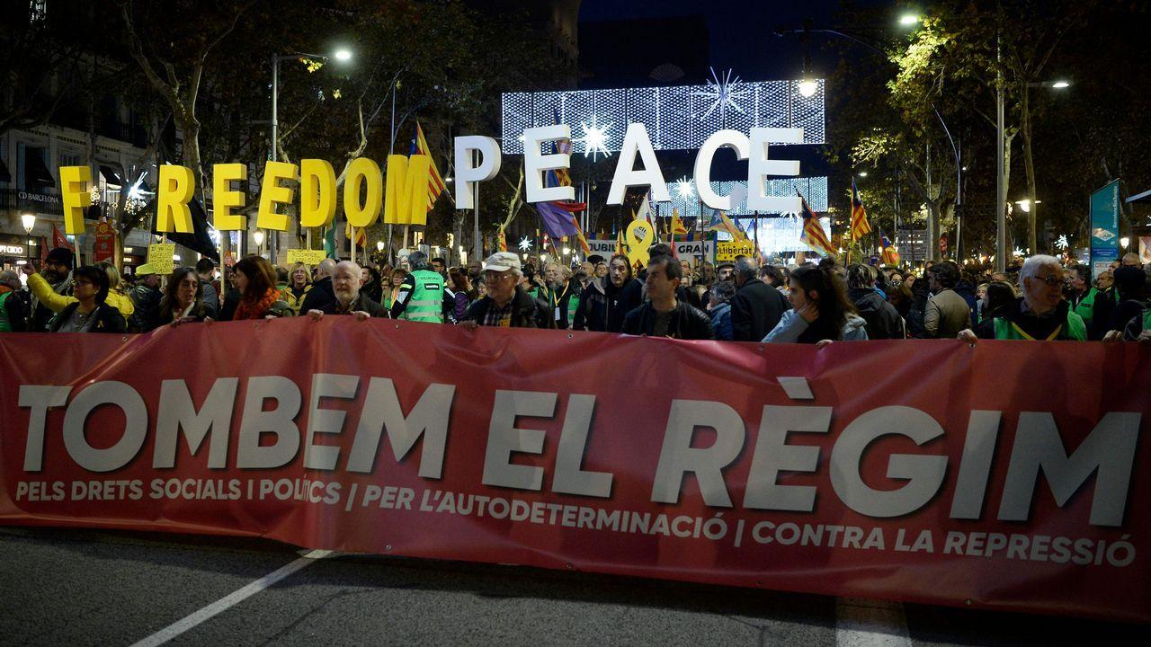 Los indepedentistas se manifiestan bajo el lema «Tumbemos el régimen»