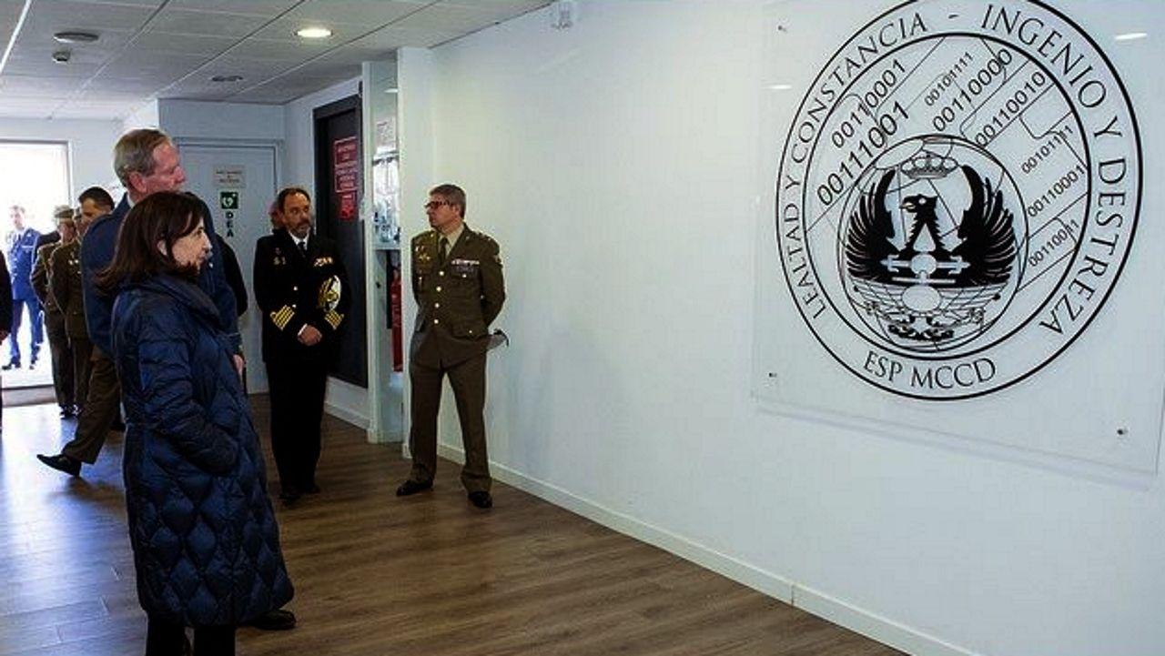| EFE.El equipo de la ministra de Defensa, Margarita Robles, fue el encargado de presentar la denuncia ante la Fiscalía