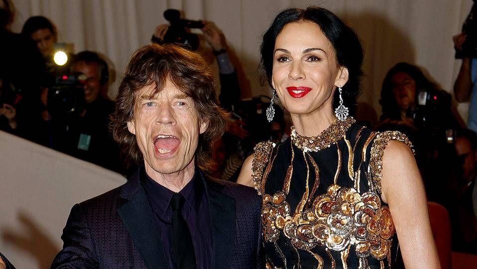objeto_portada.L'Wren Scott con Mick Jagger en la alfombra roja de la gala del Met en mayo del 2011