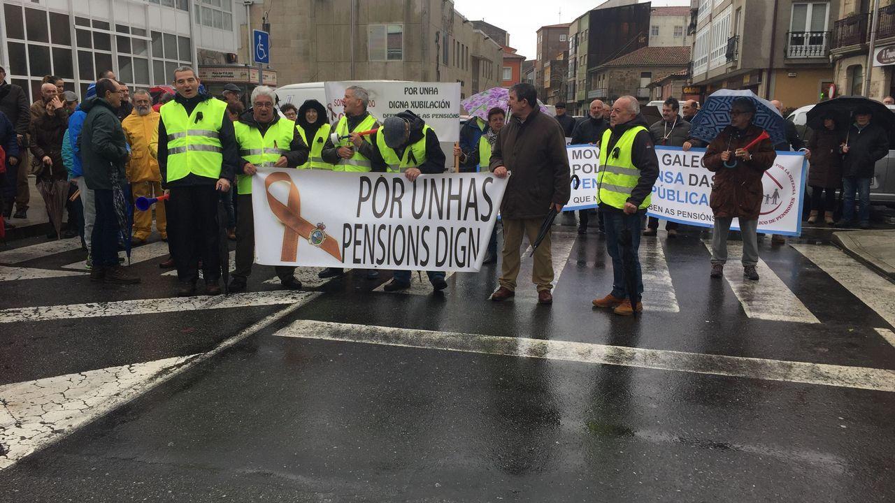 Los jubilados de Barbanzase manifestaron en A Pobra
