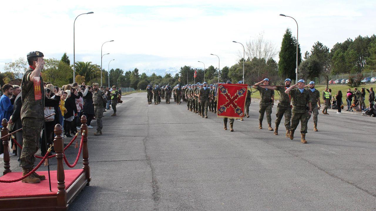 Acto de espedida del regimiento «Príncipe» en el cuartel del cabo Noval