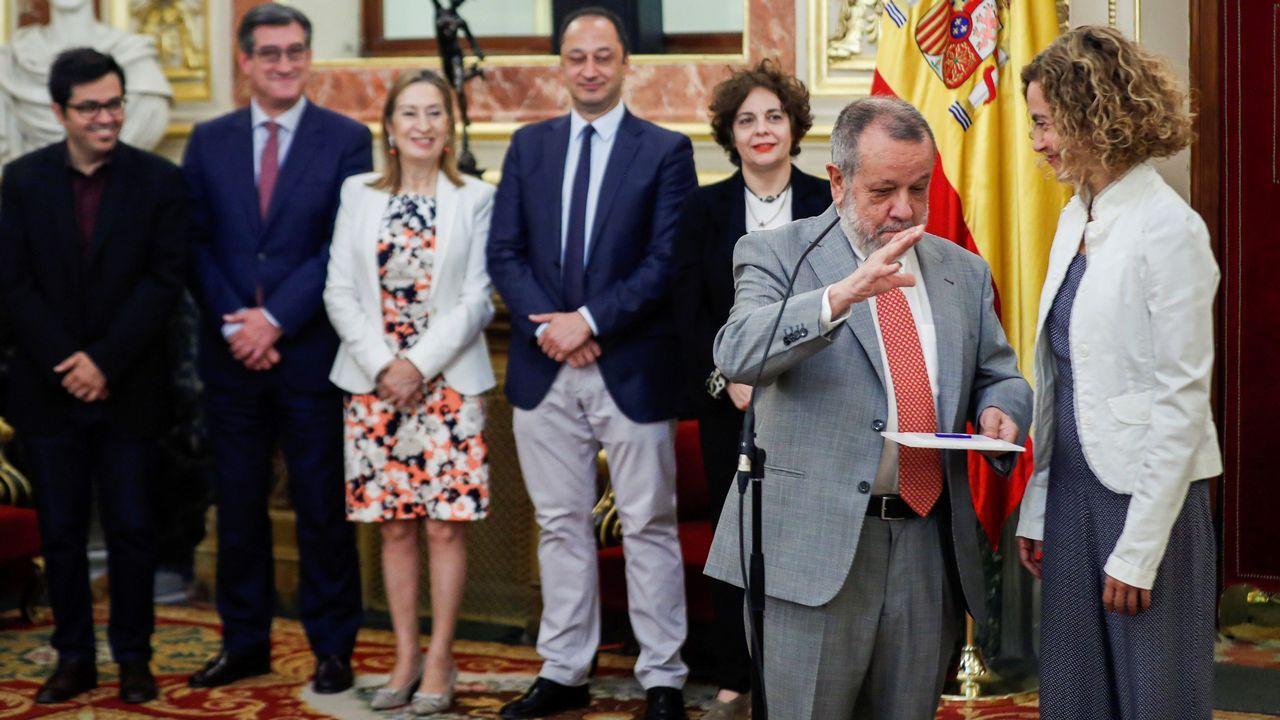 Francisco Fernández Marugán, defensor del Pueblo en funciones, entrega su informe anual a la presidenta del Congreso Meritxell Batet