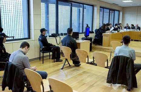 .Ayer se inició el juicio a tres terroristas de Resistencia Galega por un atentado en Vigo.