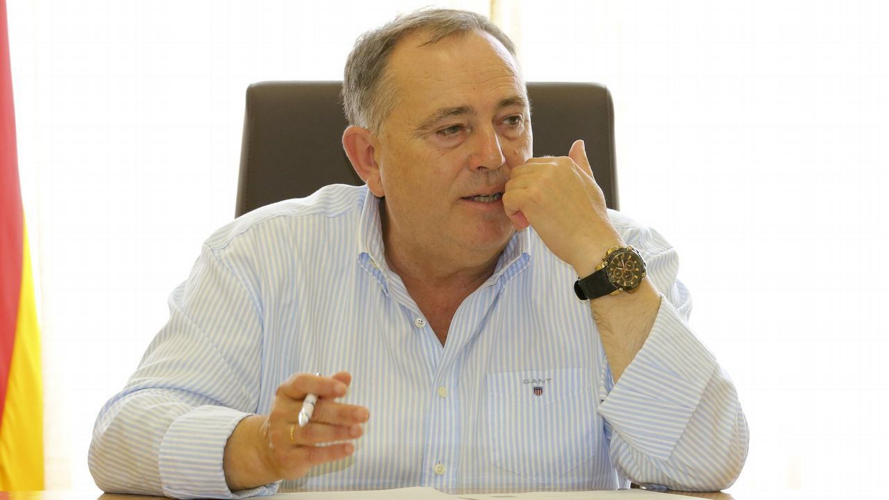 Feijoo: «El viernes sabremos a quién votan los compromisarios gallegos».Pablo Álvarez-Pire y Reyes Fernández Hurlé