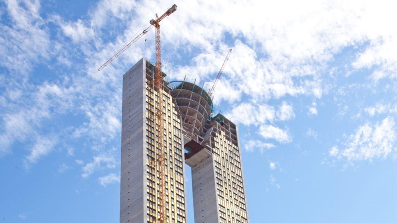 .Un bloque fantasma: la torre In Tempo