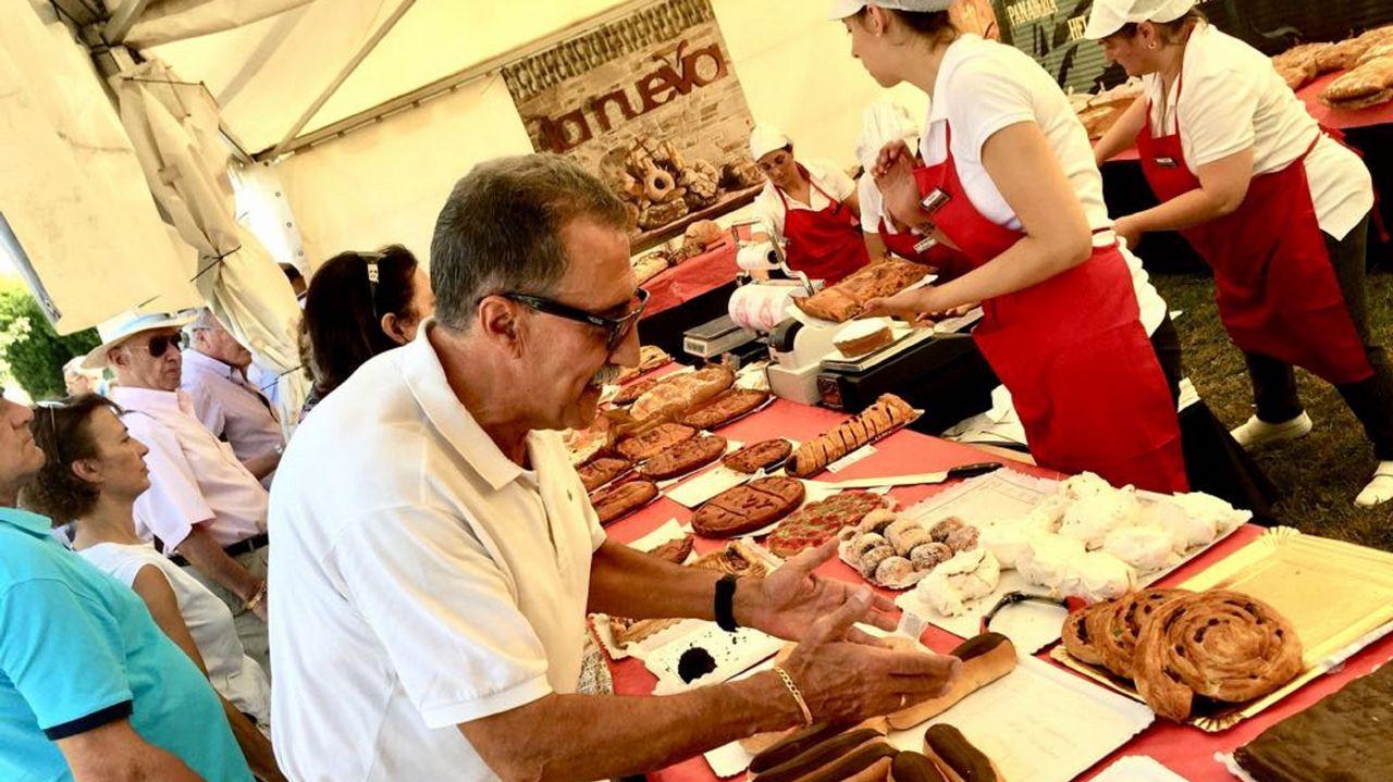 La Feira do Pan tuvo como pregonero a Vicente Araguas