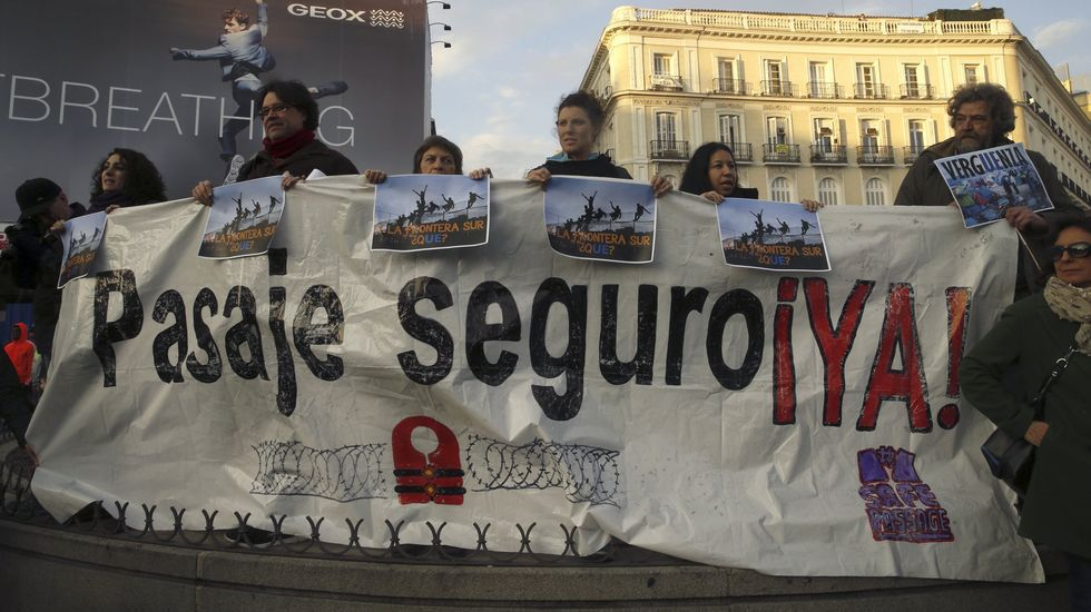 Miles de personas en toda España muestran su rechazo al acuerdo de la UE con Turquía.España se sumó a la precaución de Italia por el desplazamiento a Libia de las rutas de entrada de migrantes a Europa.