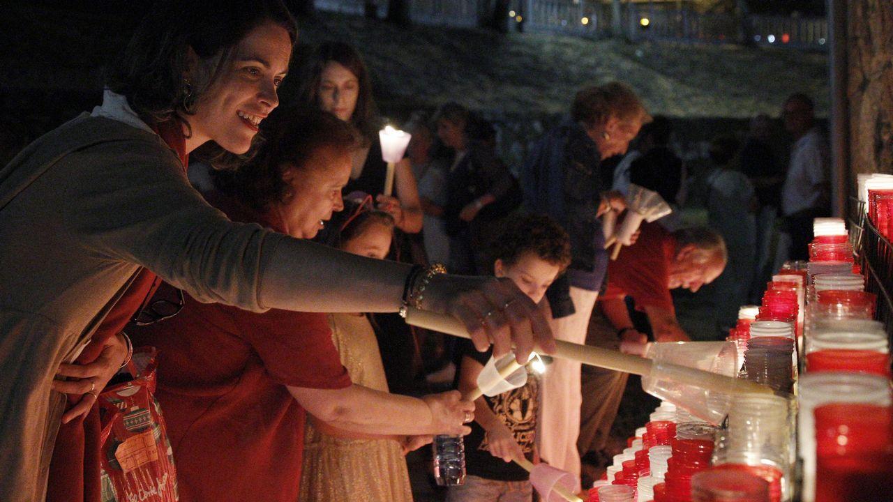 «Llevo una vida menos esclava y puedo marcarme horarios».Multitudinaria procesión de Os Milagros en el santuario de Monte Medo en Baños de Molgas