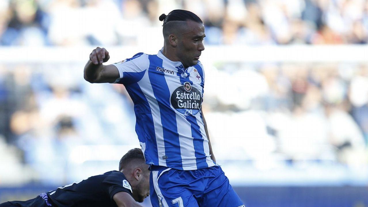 Las mejores imágenes del Málaga - Deportivo.Los jugadores del Deportivo, durante un entrenamiento en el estadio