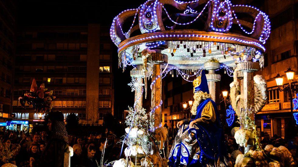 El rey Melchor en la cabalgata de reyes de Oviedo