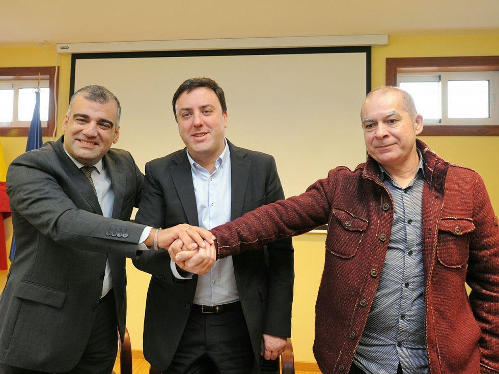 El concello 313.González Concheiro recibió a Formoso y al diputado Xosé Regueira.