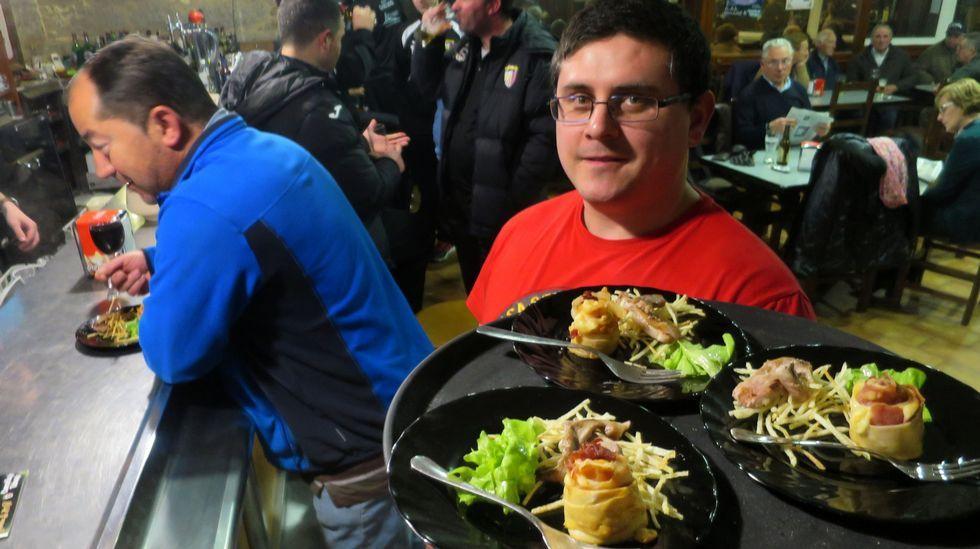 Domingo carnavalesco y gastronómico en Chantada, Navia de Suarna y Taboada.Agentes de la comisaría de Monforte de la Policía Nacional investiga el robo cometido en una casa de la calle Ourense