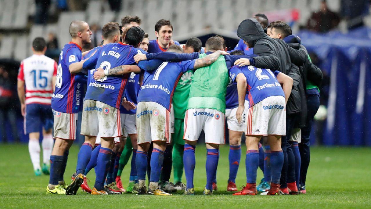 Real Oviedo Granada Carlos Tartiere.Los futbolistas del Real Oviedo celebran la victoria frente al Granada
