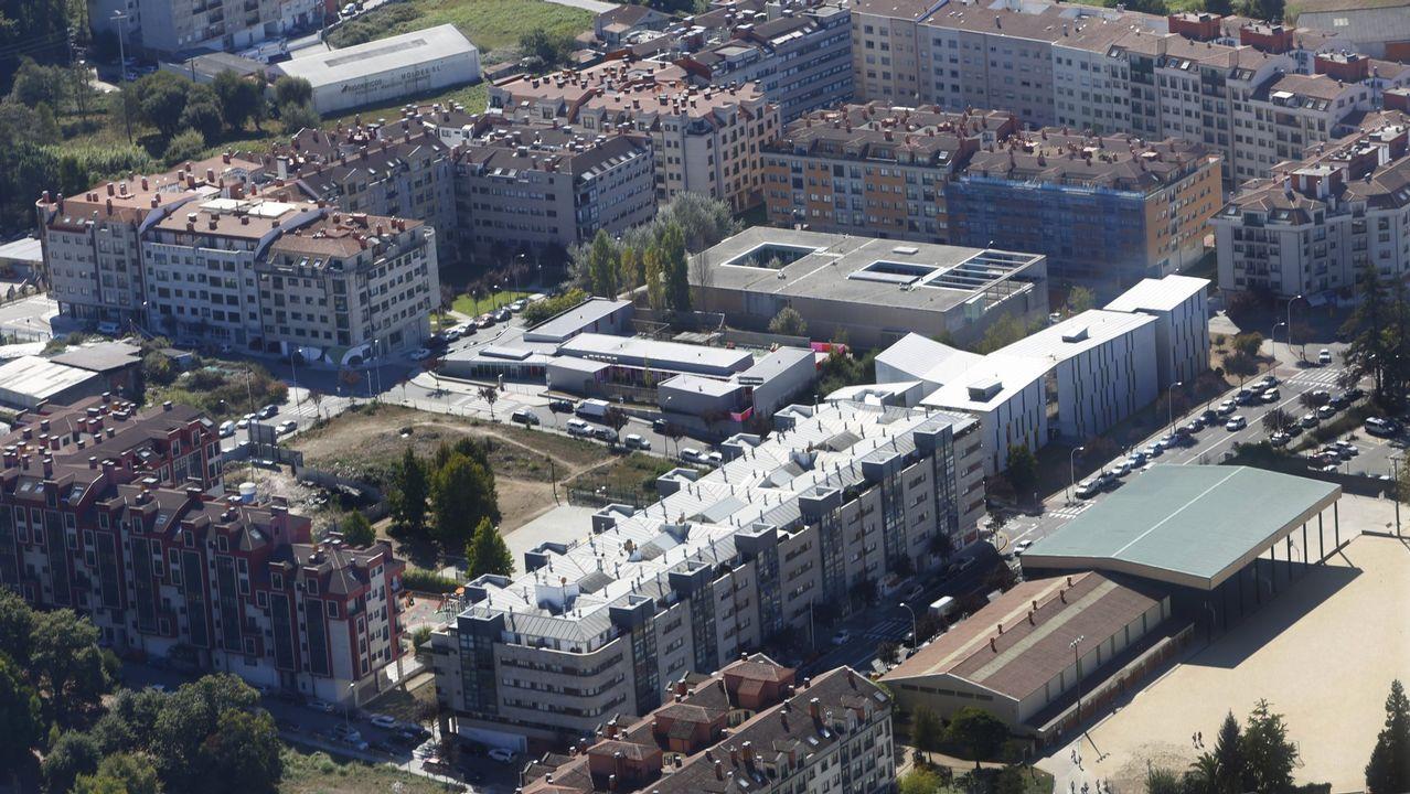 DGT: «Mejor más despacio».Vista aérea del barrio de A Parda