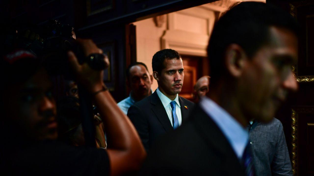 | REUTERS.Juan Guaidó, a su llegada este lunes a la Asamblea Nacional de Venezuela