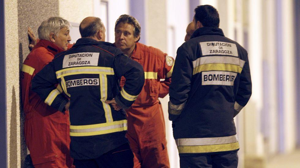 .Servicios de emergencias junto a la nave industrial de Figueruelas donde se ha atrincherado un hombre
