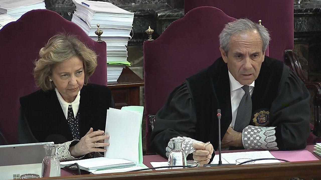 La ex fiscal general del Estado, Consuelo Madrigal, y el fiscal Javier Moreno, durante la vigésima jornada del juicio por el desafío independentista en el Tribunal Supremo