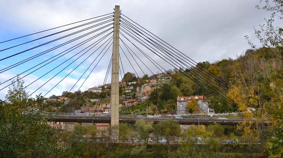 El puente atirantado de Sama de Langreo.El puente atirantado de Sama de Langreo