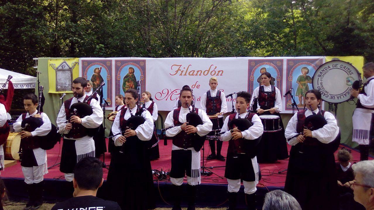 .El grupo de gaitas de la localidad barcelonesa de Cornellá fue invitado al festival