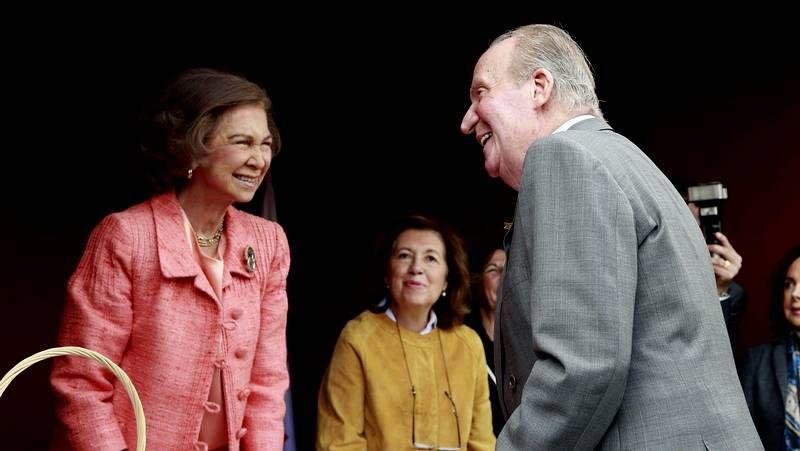 Juan Carlos I y Sofía se reencuentran.Accidente en la avenida Duquesa de Lugo
