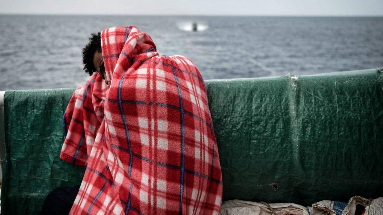España acepta el «Aquarius», el barco con 629 migrantes a la deriva.