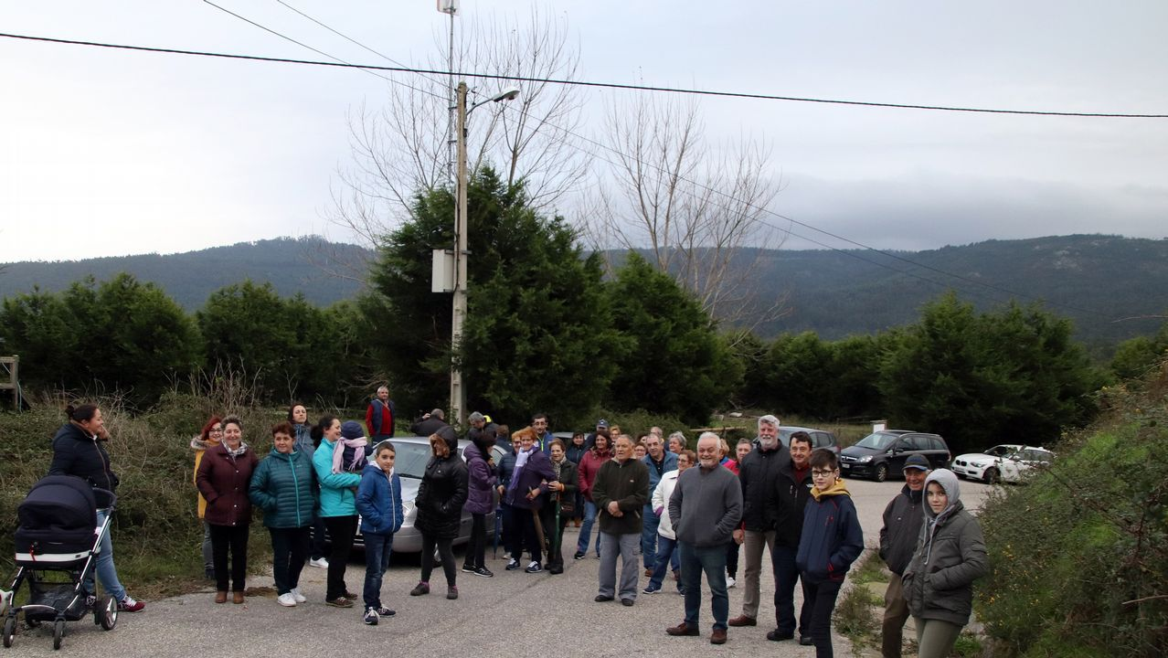 Mucho humor y debate en torno al nuevo paso de peatones de Cangas
