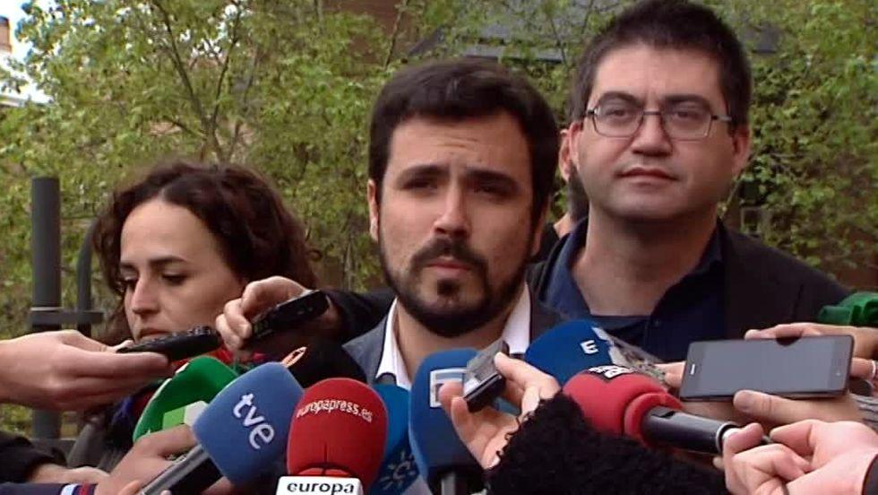 «No se puede hacer tabla rasa de las reformas».Alberto Garzón y Pablo Iglesias, tras ratificar el acuerdo IU-Podemos