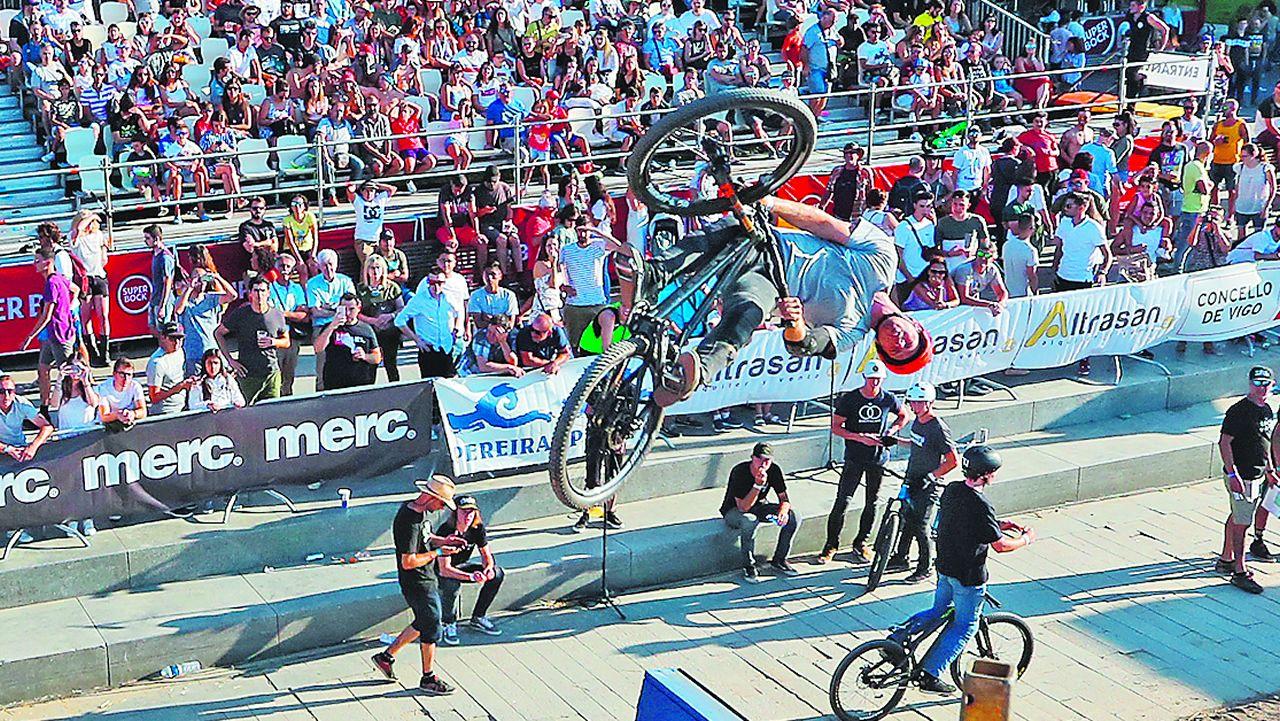Bicis y «skates» ya vuelan en Vigo