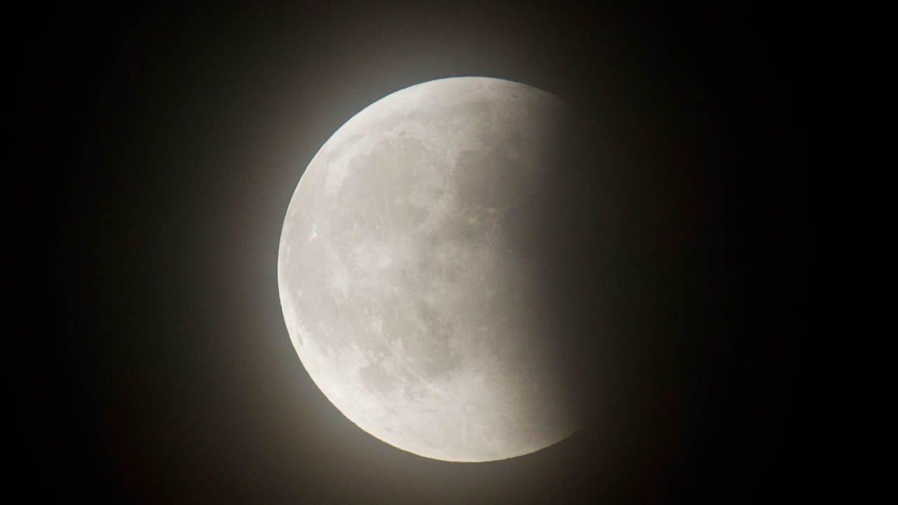 Pero ¿qué es una superluna azul?.Eclipse lunar