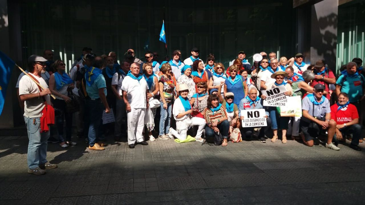 Un plato de fabada.Jubilados asturianos en las protestas de Bilbao