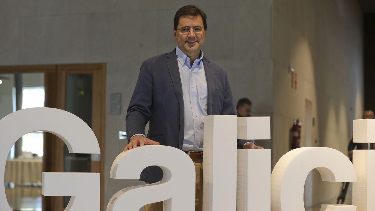 «Tener tres aeropuertos compitiendo entre sí y Oporto al lado no ayuda».