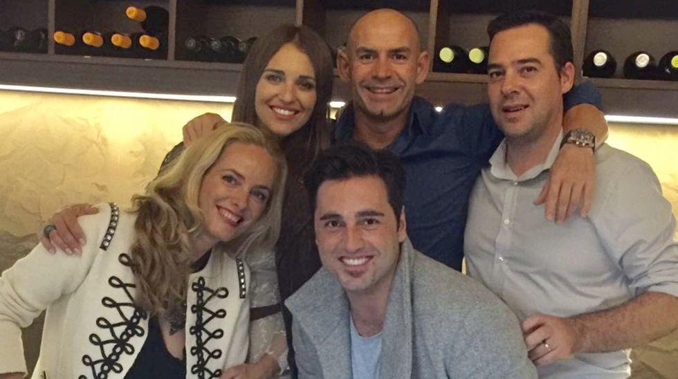 .También acompañó al cantante en su concierto en A Coruña, donde cenaron junto a Paco Jémez y su mujer.
