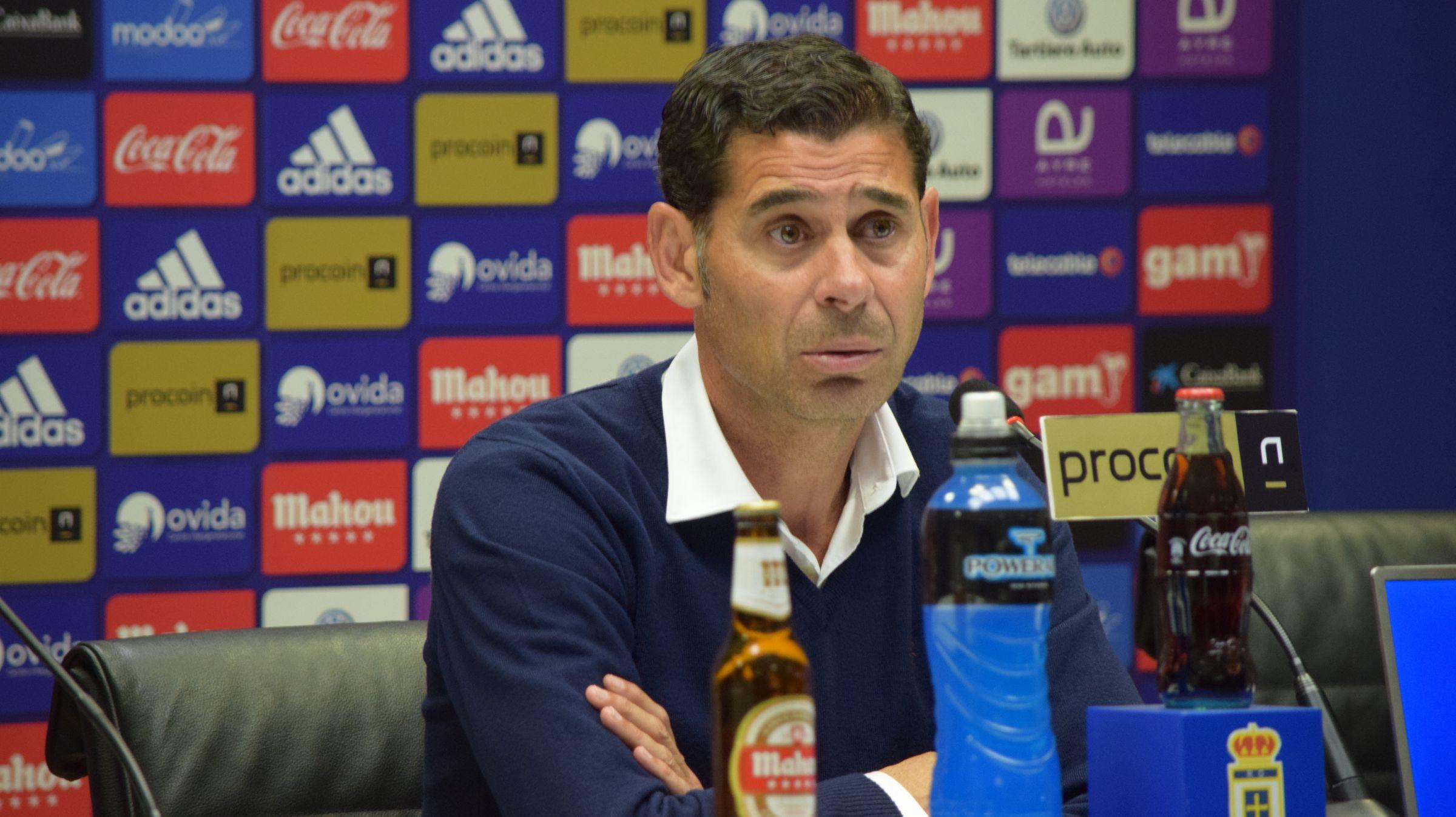 Fernando Hierro en rueda de prensa