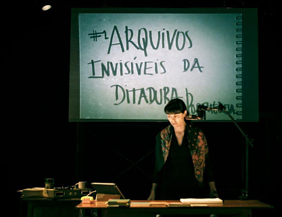 .Joana Craveiro escribe y representa todas las piezas