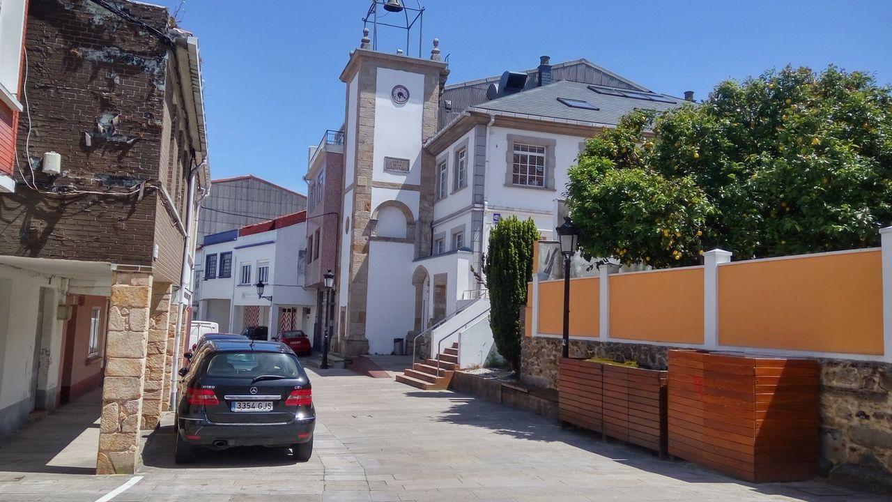 En la imagen, de archivo, restos de un botellón en el Cantón de Molins de Ferrol