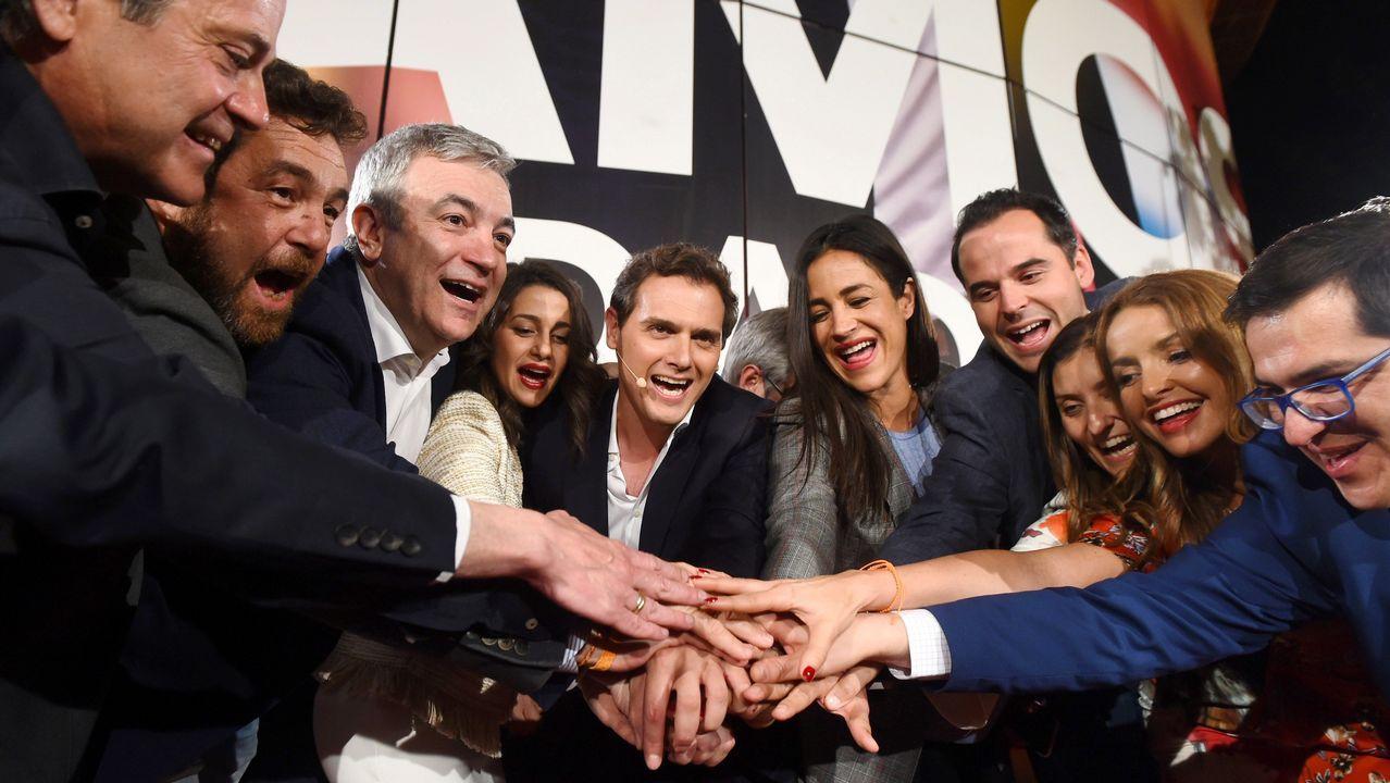 La Asociación de la Prensareivindicasus derechos en Oviedo.El líder de Ciudadanos, Albert Rivera, festeja junto a sus candidatos los resultados electorales ante la sede del partido en Madrid