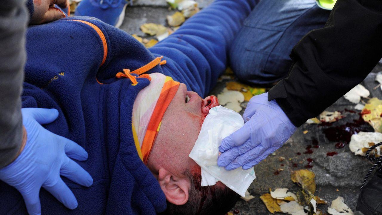 Fallecen dos personas tras estrellarse una avioneta sobre una gasolinera en Barcelona.Ataque con pintura en la entrada de la casa del juez Pablo Llarena en San Cugat