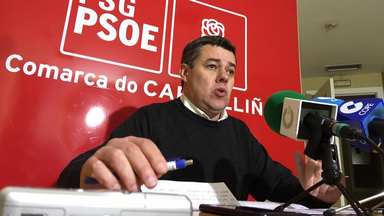 Adolfo Nogueira valora el hecho de que el alcalde le haya retirado las competencias.Los felos madrugan en Maceda