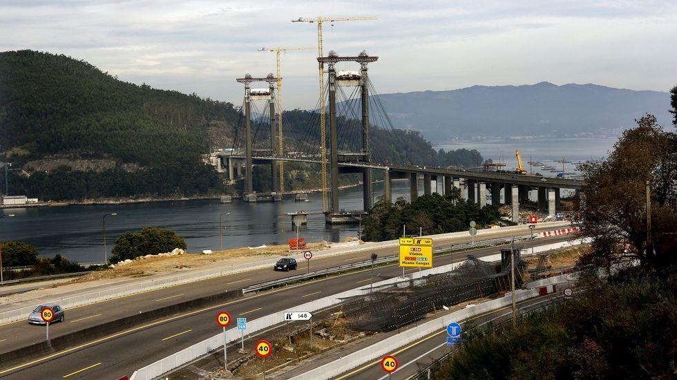 Los peajes de la AP-9 se dispararán en el año 2018.Obras de ampliación del Puente de Rande