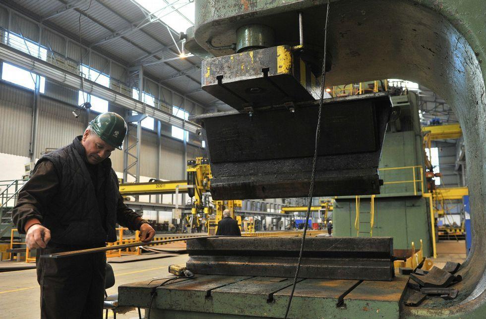 Los trabajadores de Fene creen que la eólica no genera tanta carga de trabajo como el naval.