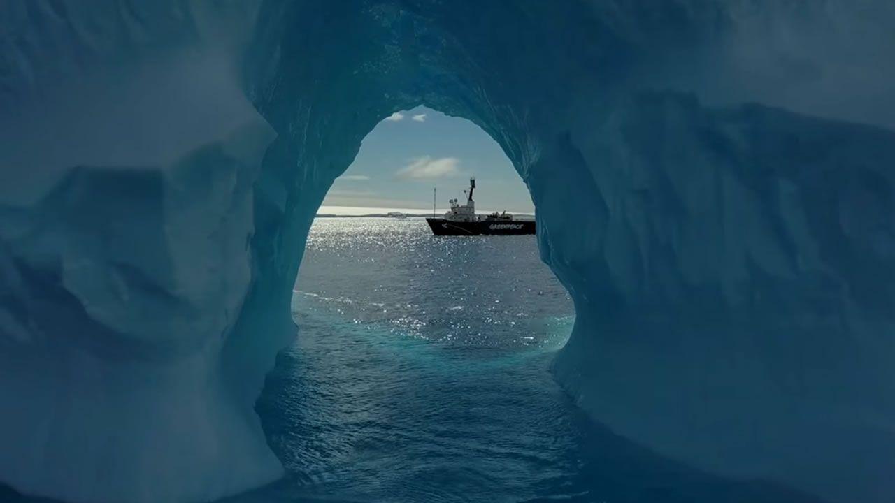 Bardem en la Antártida.Incendios en Asturias