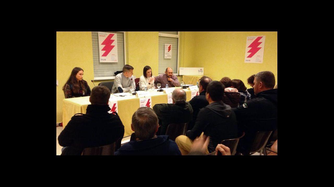 Manifestación de UGT en Sargadelos