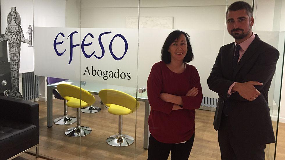 Olga Blanco y Carlos Suarez, abogados