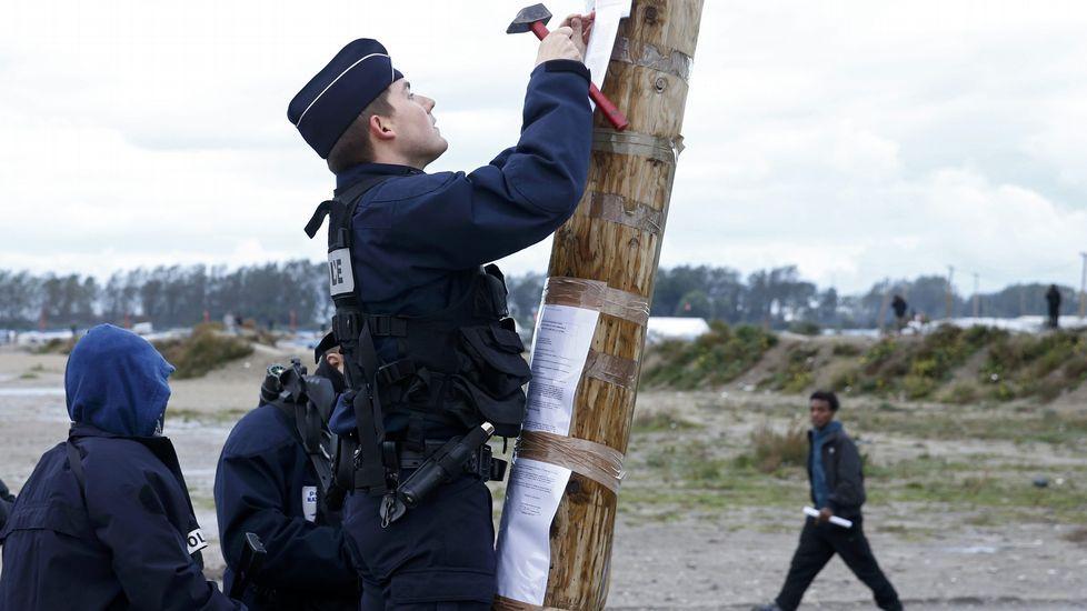 Desmantelamiento de la «Jungla de Calais».Crisis migratoria en el Mediterráneo