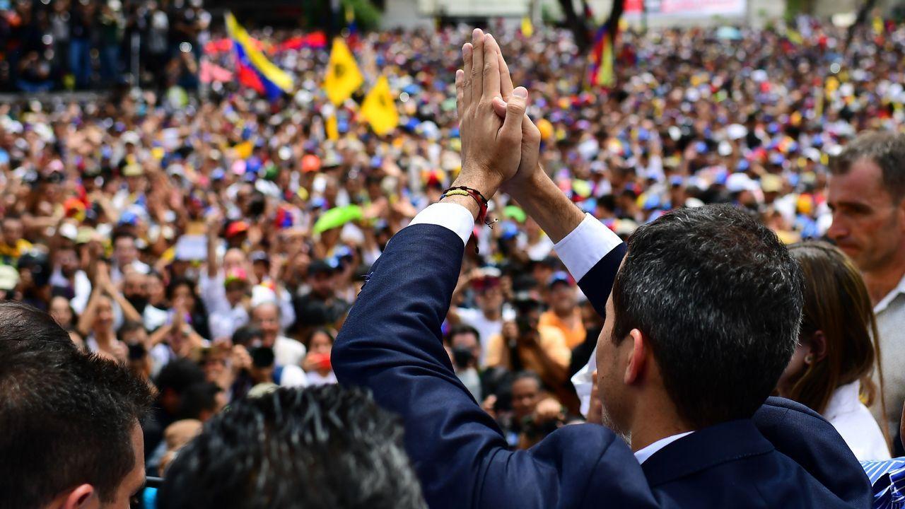 Tras su llegada a la capital venezolana, Guaidó participó en un acto multitudinario en la plaza Alfredo Sadel