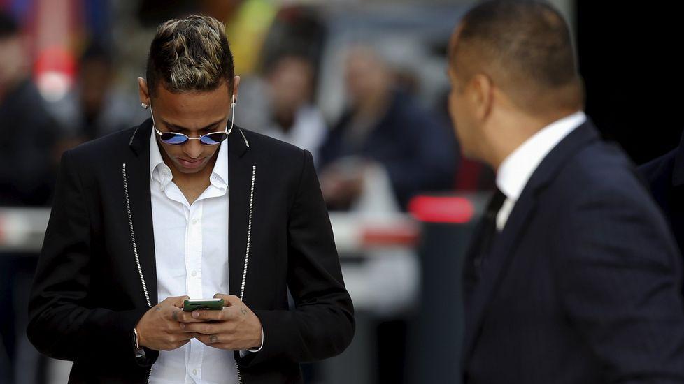 El Camp Nou rinde tributo a la figura de Johan Cruyff.Neymar, en una imagen de la pasada temporada