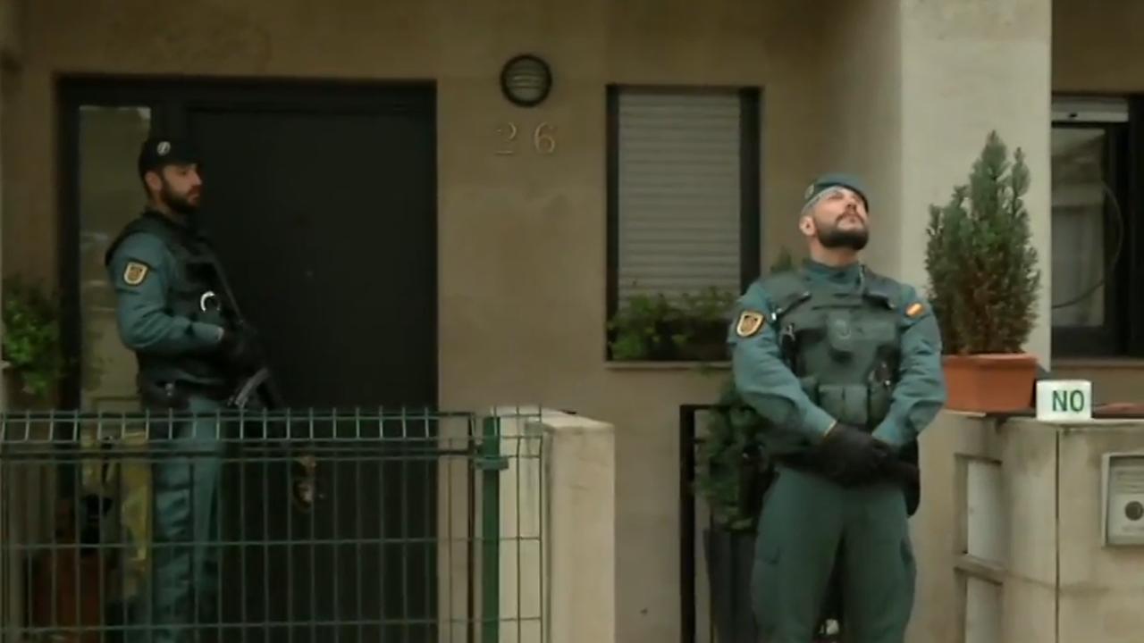 Efectivos de la Guardia Civil realizan registros en la casa de Amorebieta del autor intelectual del asesinato del edil llanisco Javier Ardines